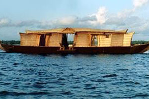 tour-boat-img